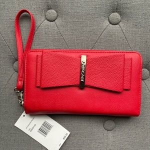 Adorable Betsey Johnson Large Red Zipper Wallet